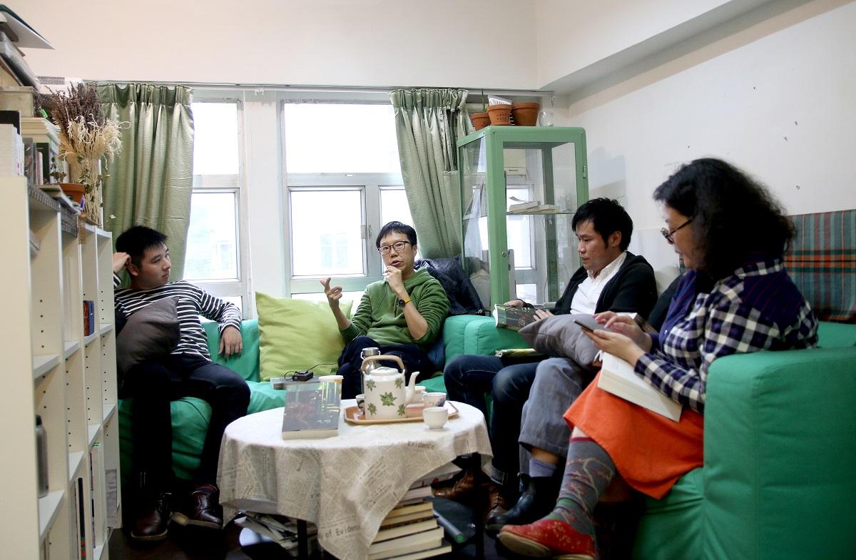 (左起)楊焯灃、游靜、張鐵樑、鄧小樺
